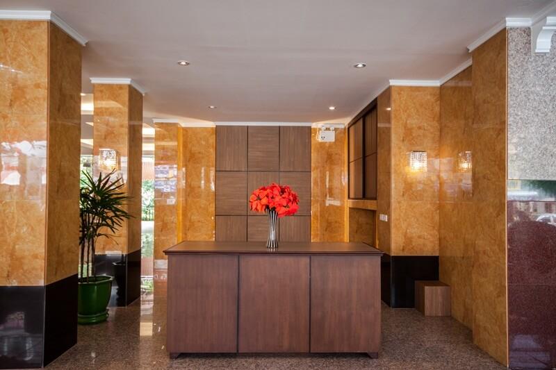 Tara Lake Hotel : Lobby Service